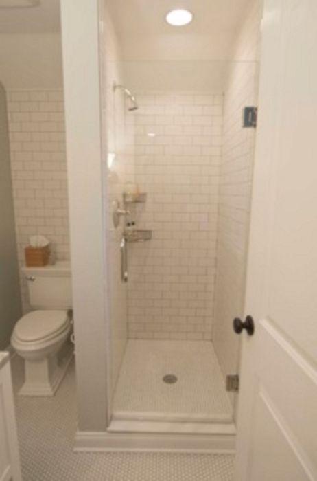 Компактная душевая кабина – удобное и стильное решение для тех, у кого небольшие ванные комнаты.