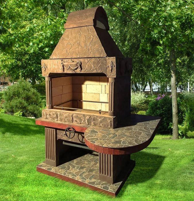 Сделанная на заказ печь-барбекю в старинном греческом стиле.