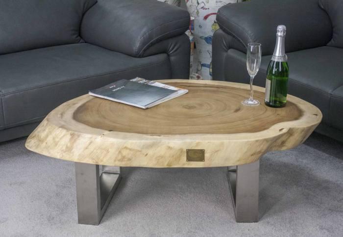 Простой кофейный столик из спила дерева и металлических ножек своими руками.