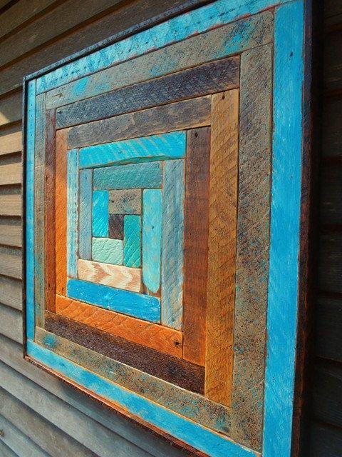 Декоративное панно из обычных деревянных досок – это то дизайнерское решение, которое несомненно привлечет к себе внимание гостей и станет яркой деталью интерьера.