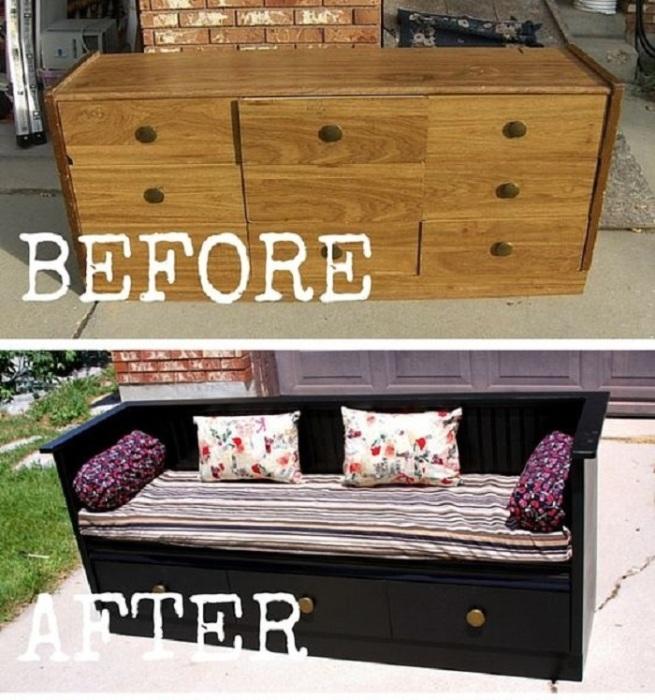 Старый комод можно превратить в необычный диван, который станет настоящей изюминкой в современном интерьере гостиной комнаты.