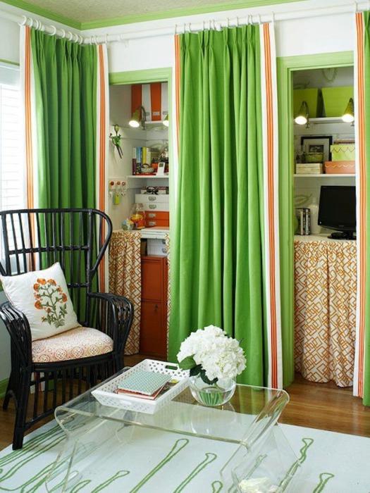 В сравнении с остальными способами разделения свободного пространства зонирование комнаты с помощью штор обладает рядом преимуществ.