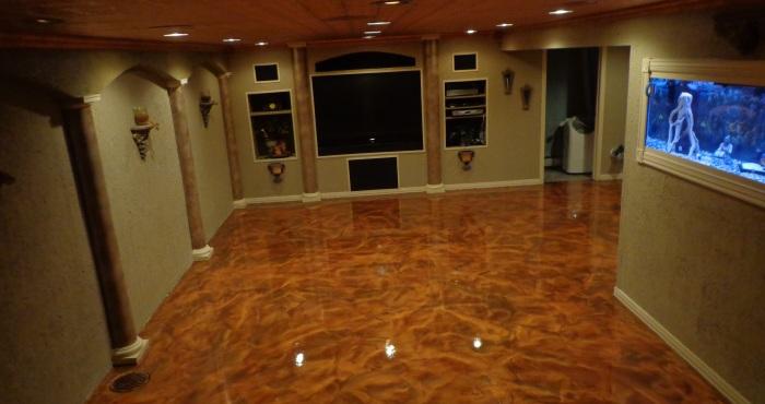 Эпоксидное покрытие коричневого цвета отлично подходит для интерьера гостиной комнаты в экостиле.