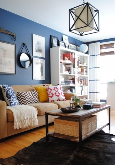 Как правило, чаще всего используется акцентная стена в интерьере гостиной.