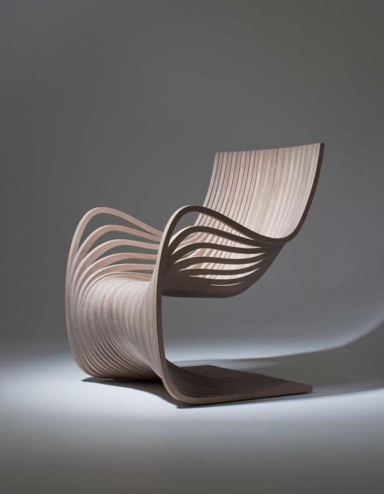 Кресло из берёзового шпона, в котором можно приятно провести время.