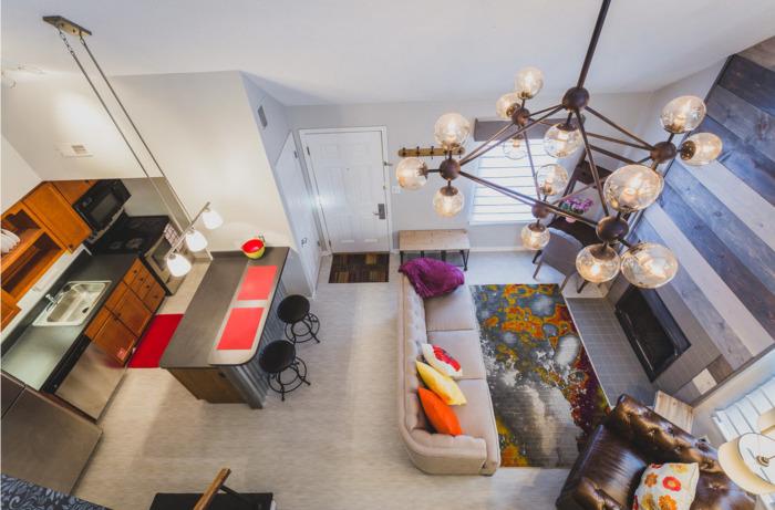 В настоящее время актуальна мода на совмещение пространства, на удаление стен и на объединение нескольких функциональных зон в рамках одного помещения.