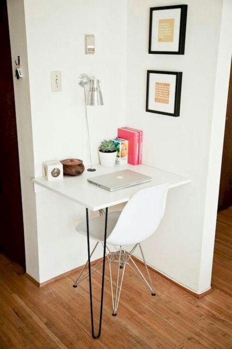 Угловой стол, который эффективно оптимизирует пространство в любом малогабаритном помещении.