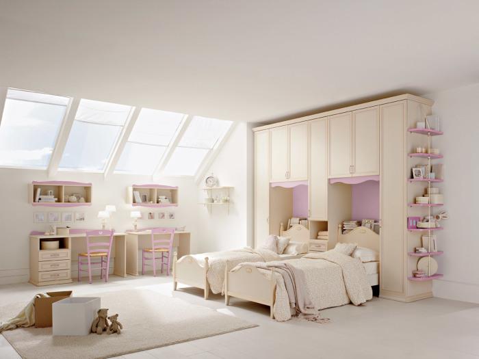 Простор и наличие свободного места в комнате очень важно для активных подростков.