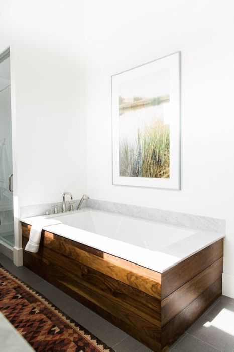 Ванная комната – это то помещение, где правильный выбор используемых материалов оказывает огромное влияние на всю атмосферу.