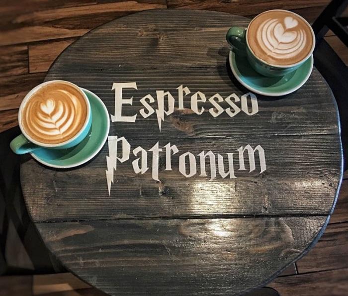 Фантастическое кафе для поклонников серий романов о Гарри Поттере.