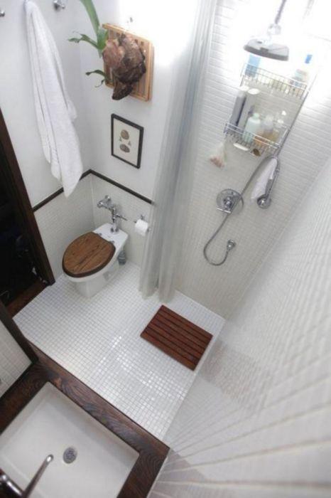 Тщательная планировка и ответственный подход к выбору сантехники – ключ к созданию комфортной обстановки даже в самой маленькой ванной комнате.