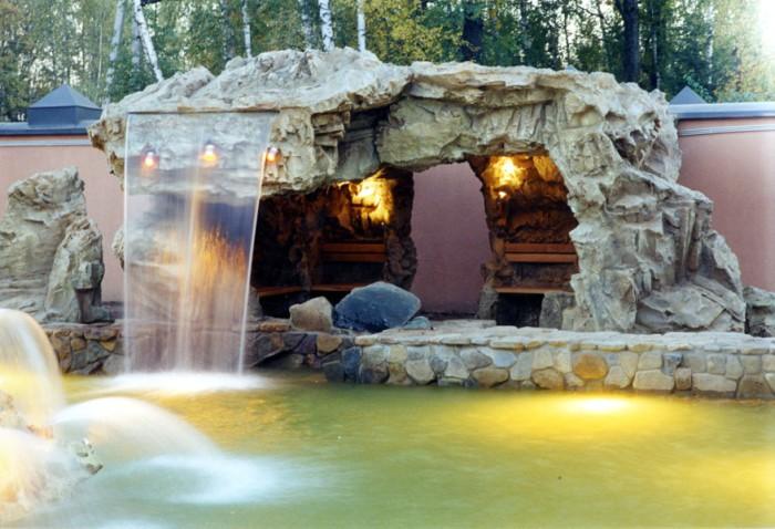 Уникальный проект декоративного грота с водопадом.