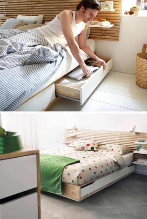 Обычно пространство под кроватью никак не используется, а ведь здесь можно хранить не только ноутбук и мобильные телефоны.