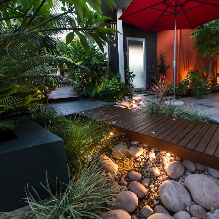 Современное оформление придомовой территории, которое будет нравиться не только хозяевам, но и гостям.