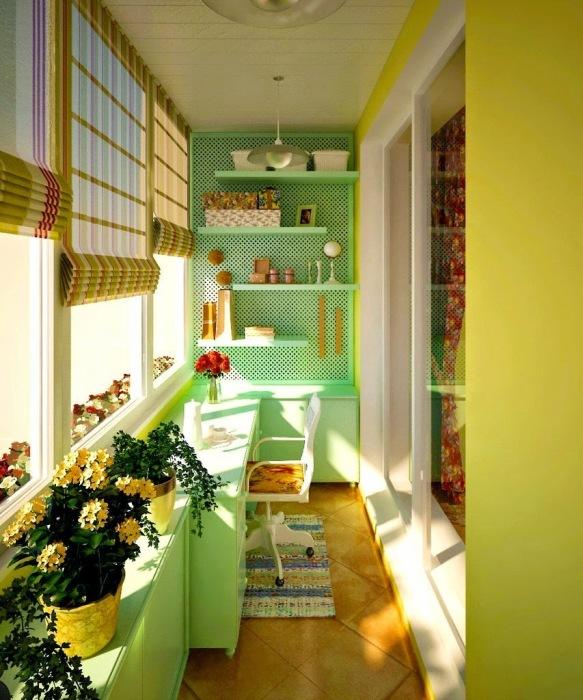 Дизайн лоджии в салатовом цвете.