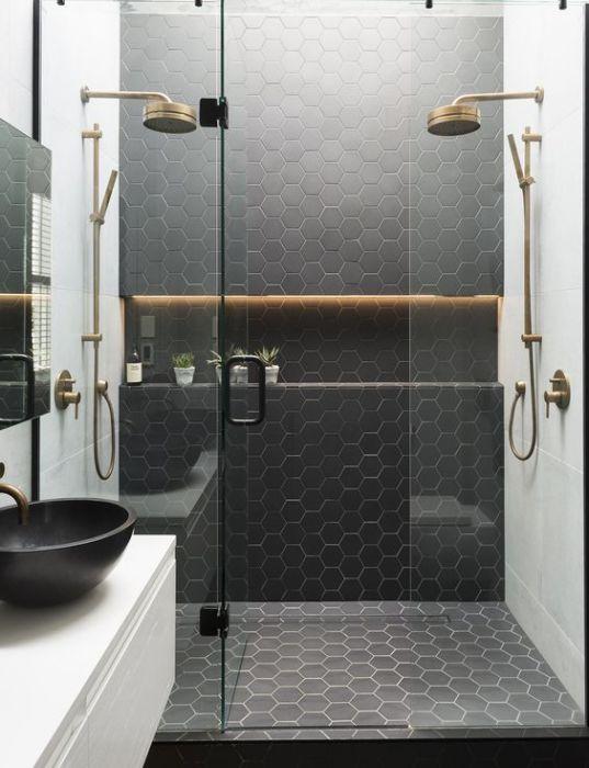 Душевую кабинку выбирают исходя из размеров ванной комнаты и необходимой функциональности.
