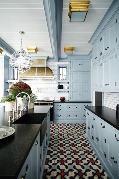 Современная кухонная техника и мебель в стиле модерн отличается простотой и функциональностью.