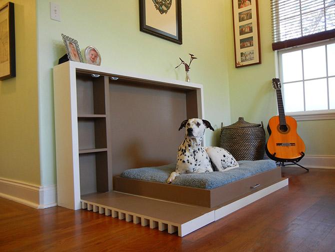 Собачья кровать при необходимости за секунды превращается в компактную тумбу.