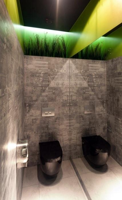 Профессиональные дизайнеры использовали тему газет и новостей, создав максимально гармоничный интерьер внутри небольшого помещения.