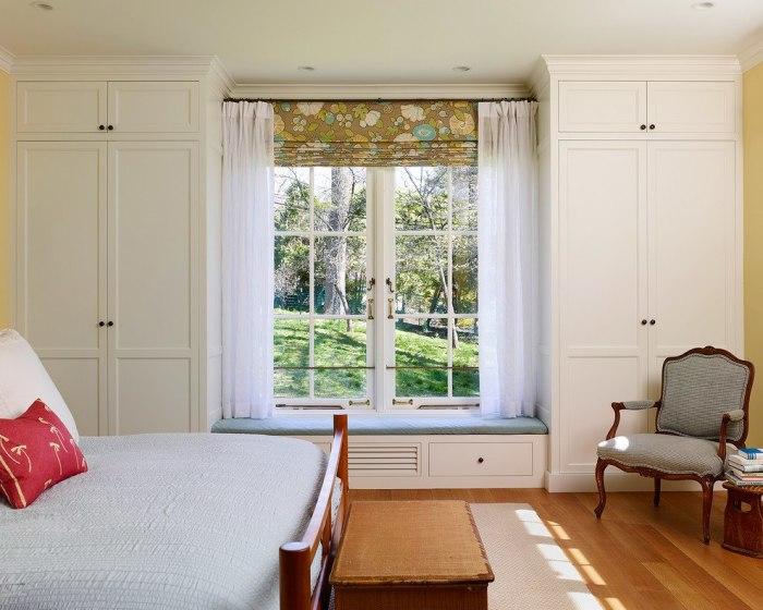 Чудесная идея для тех, у кого в помещении огромные панельные окна.