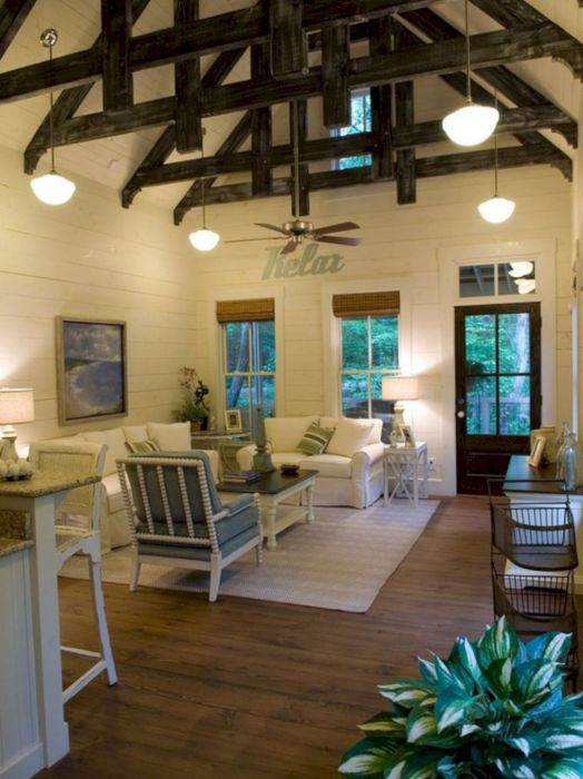 Удивительная гостиная комната в загородном доме, которая по-настоящему порадует вас.