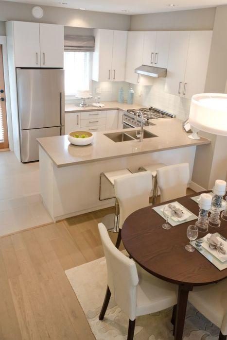 В дизайне, как все говорят, компактной кухни употребляют, как многие выражаются, нейтральную, как мы выражаемся, цветовую палитру, которая зрительно расширяет место помещения.