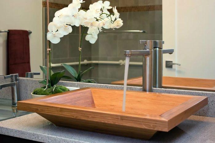 Простое и привлекательное решение для ванной комнаты.