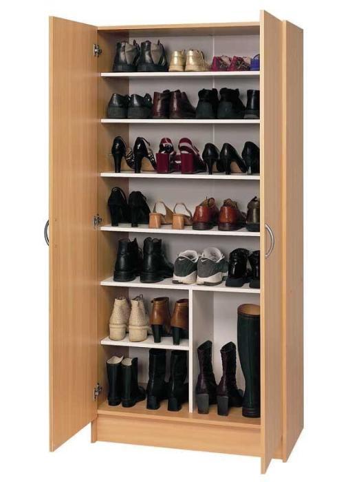 Классический деревянный шкаф, который отлично подойдет для хранения обуви.