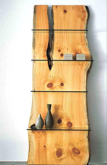 Деревянный стеллаж, который впишется практически в любой современный интерьер.