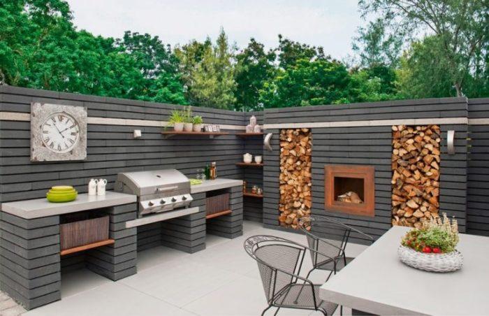 Стильная летняя кухня на дачном участке - воплощение комфорта и роскоши.