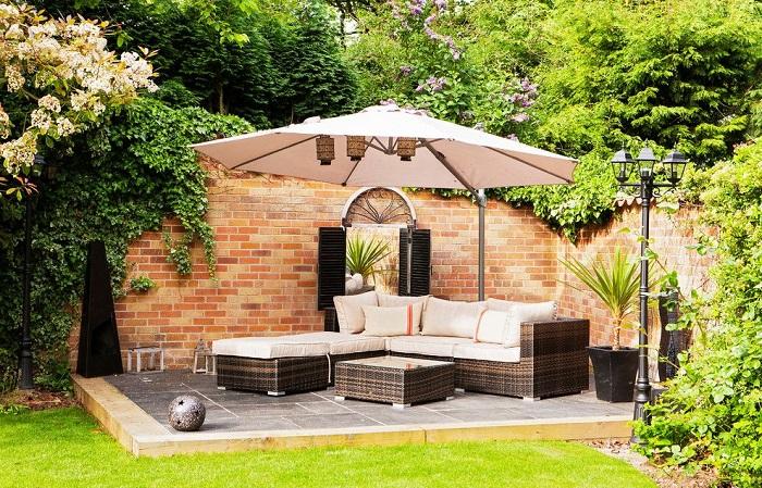 Идеи по обустройству летнего патио на дачном участке, которое станет настоящей роскошью для ценителей комфортного отдыха.