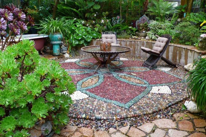 Мозаика придаёт эксклюзивный и привлекательный вид классическим элементам дизайна.