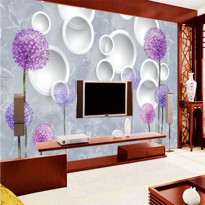 Фантастические обои, украшенные изображениями цветов, делают зону для просмотра телевизора выразительнее.