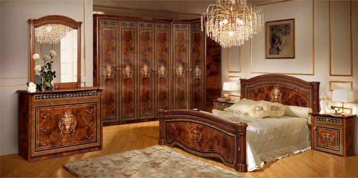 Смелое решение для спальной комнаты классического стиля.
