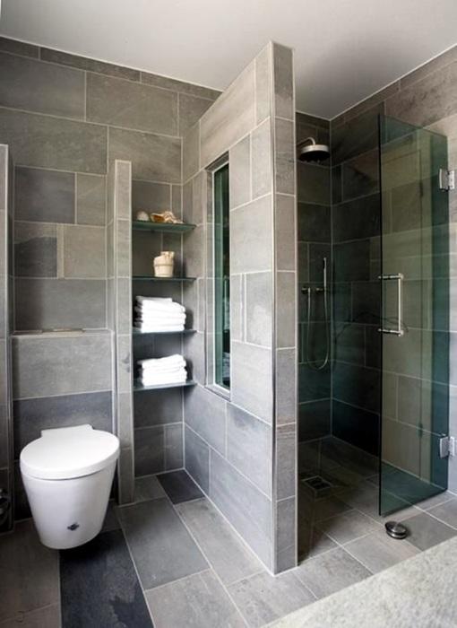 Плитка под декоративный камень в ванной комнате создаёт магическую атмосферу старины и натуральности.