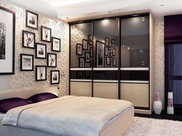 Стильный шкаф-купе, который отлично дополняет интерьер спальной комнаты.