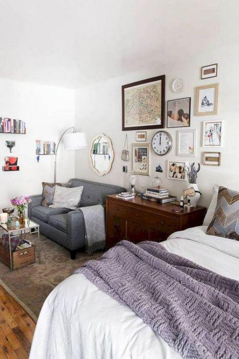Современная планировка компактной гостиной комнаты - идеальное решение для малогабаритной квартиры.