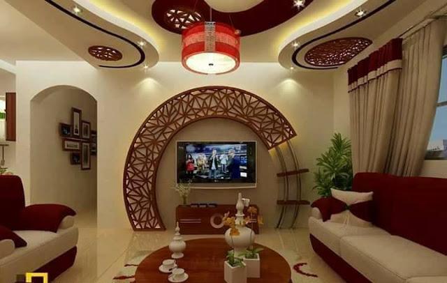 Оригинальная металлическая конструкция в зоне для просмотра телевизора, которая позволит создать уникальную атмосферу кинотеатра в интерьере гостиной комнаты.