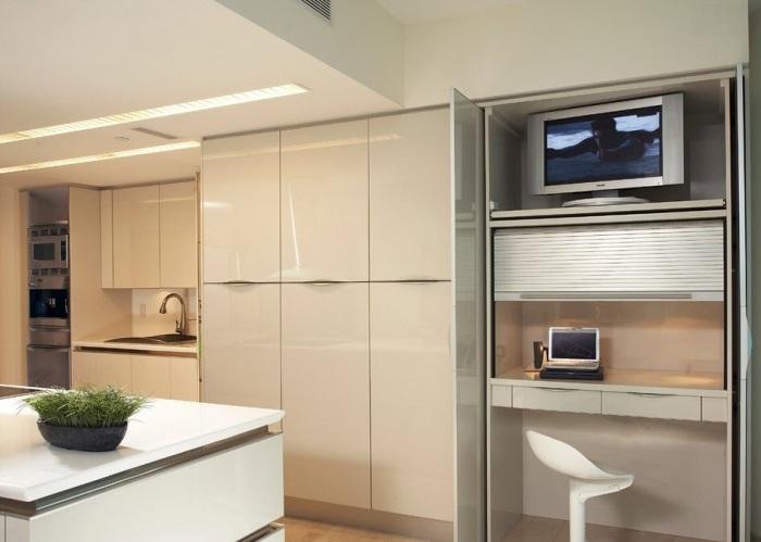 Кухня в стиле хай-тек, в которой все продумано до мелочей.