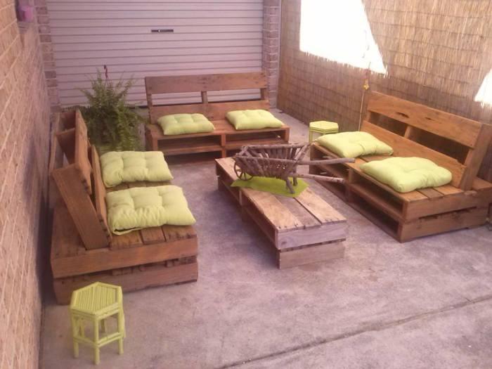 Самые популярные предметы мебели, которые чаще всего изготавливают из старых поддонов.