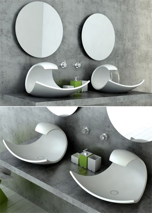 Эффектная, но не очень практичная раковина необычно изогнутой формы в современном интерьере ванной комнаты.