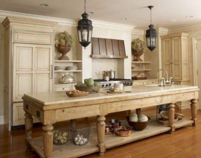Экостиль в современном интерьере загородного дома поможет создать уютную и комфортную атмосферу.