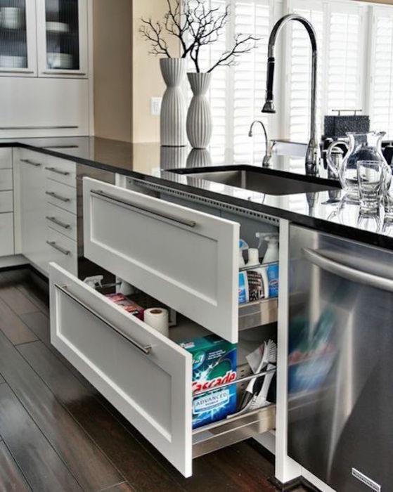 На этапе проектирования кухонного интерьера, профессиональный дизайнер должен продумать всё до мелочей.