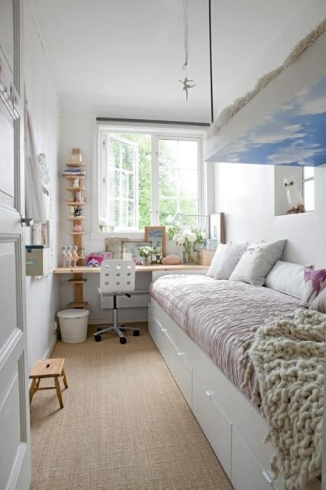 Правильное и лаконичное обустройство интерьера небольшого жилого помещения.