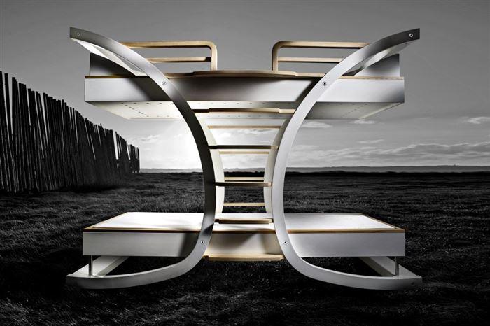 Оригинальная двухъярусная кровать в стиле хай-тек технологий.