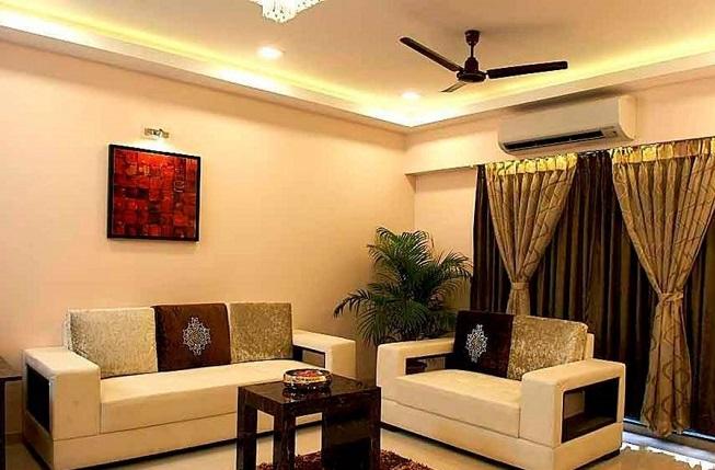 Центр комнаты - это угловой диван, который задаёт настроение всему интерьеру гостиной комнаты.