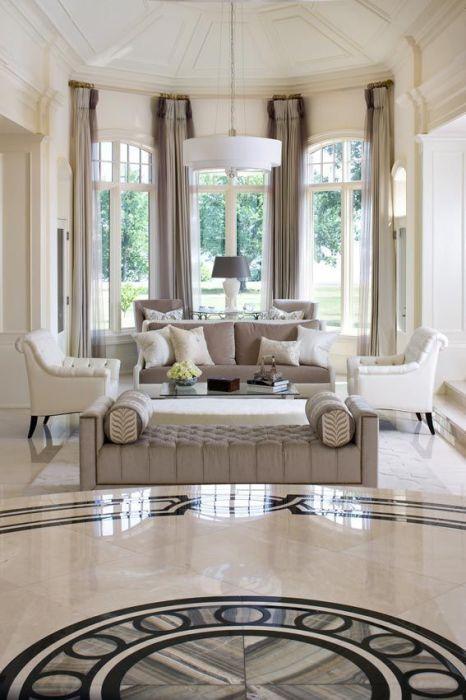 Рольшторы - идеальное решение для классического интерьера гостиной комнаты.
