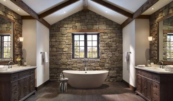 Ванная комната в стиле кантри с натуральной каменной кладкой.