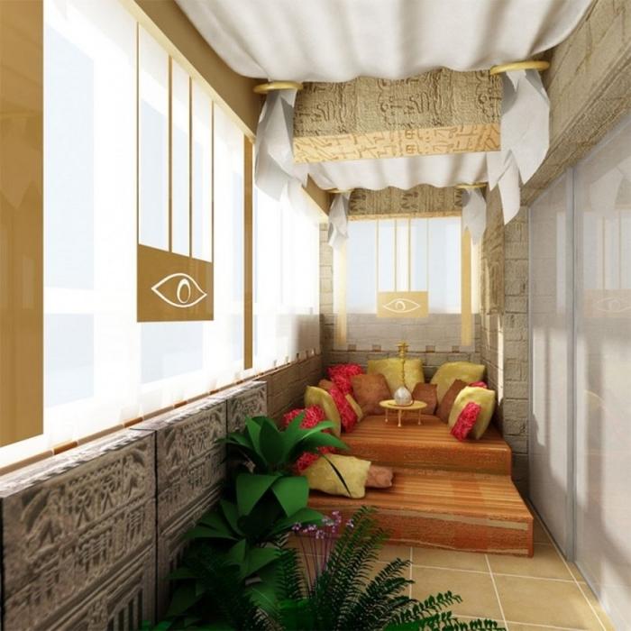 Египетский стиль в интерьере лоджии позволит почувствовать себя настоящим фараоном.