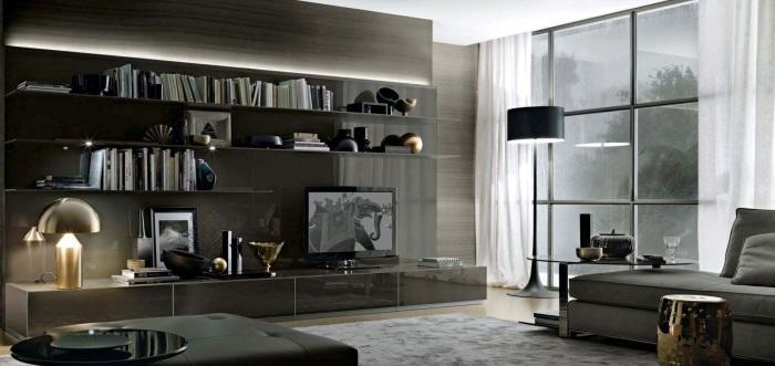 Серая глянцевая модульная стенка и строгий классический стиль позволили сохранить ощущение простора.
